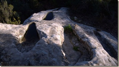 Conjunto de tumbas de diferetens tamaños