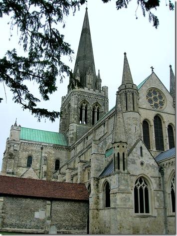 walk round chichester cathedral 003