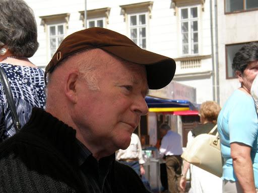 portré, dedikálás, fényképek,  könyvhét, ünnepi könyvhét, portrék, könyvvásár, 2010, Budapest, képek,  photos,  fotók,  pictures, V.kerület, 5. kerület, belváros, Moldva György, judeobolsevista