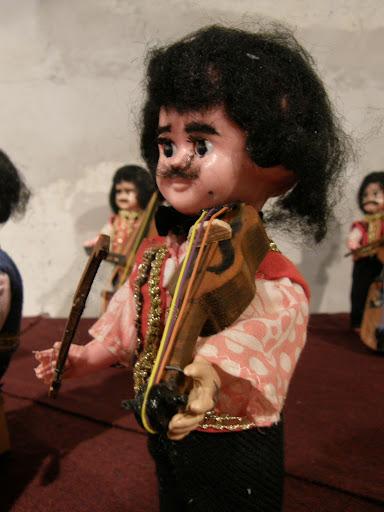 Athe Sam, bábkiállítás, babakiállítás, babák, baba, Lilliput, Liliput, gipsy, gipsies, exhibition, funny puppets puppet bábkiállítás, cigány fesztivál, roma, Sztajkó József, Budapest, Gödör Klub, bábkiállítás, blog