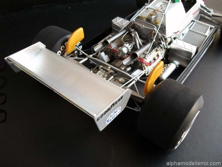 [Ferrari 126c-3[2].jpg]