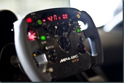 McLaren-MP4-12C-GT3-8