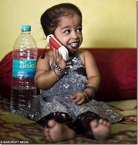 worlds_smallest_girl_Jyoti_Amge3