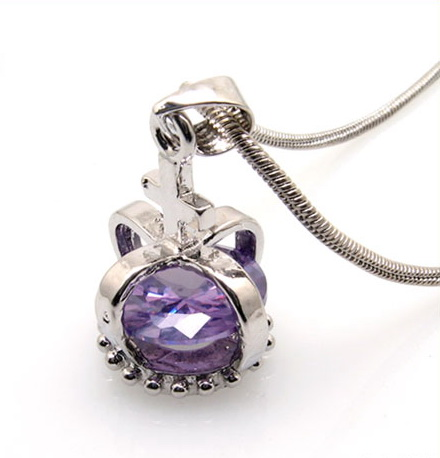 fashion-necklace-crystal-crown-pendant-10003292.jpg