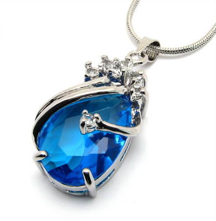 heart-of-Ocean-Necklace-10003697.jpg