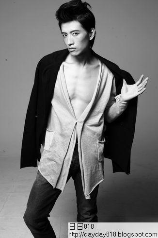 張峻寧《他生活》時尚大片 盡顯前衛先鋒氣質