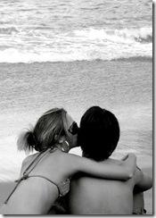 casal de fakes na praia