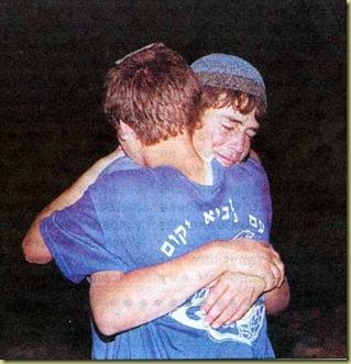 maon-boys-hugging