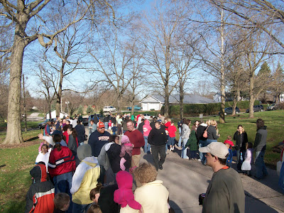 Anxious children and camera wielding parents line up for the Annual Washington Kiwanis AMERS Easter Egg Hunt Saturday April 3, 2010, in Washington's Sunset Park (KCII)