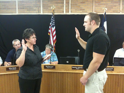 Washington Mayor Sandra Johnson Swearing In Washington's Newest Police Officer, Seth Adam.<br /> (KCII's Chance Dorland)