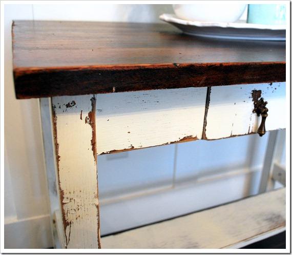 white desk 014