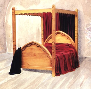 bed-gothique-4poster