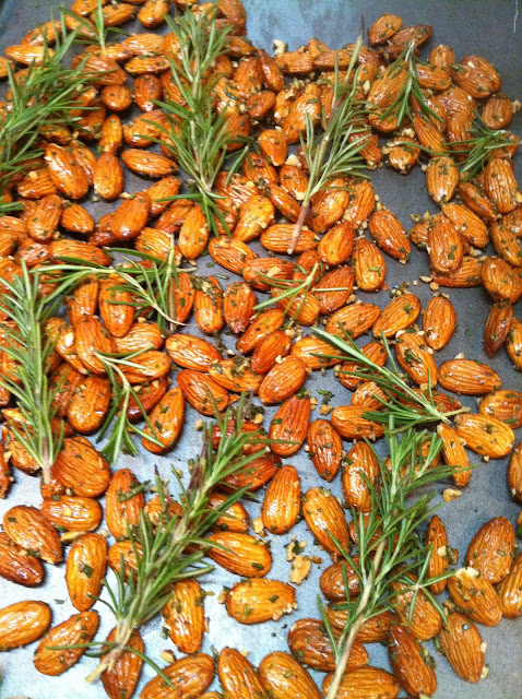 Rosemary-Toasted Almonds