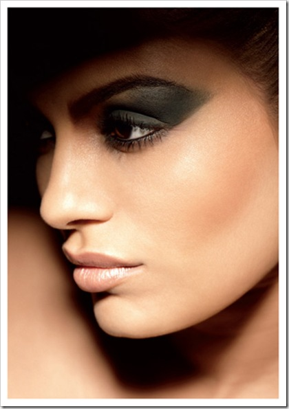 MAC-Mickey-Contractor-2011-Spring-Collection-promo