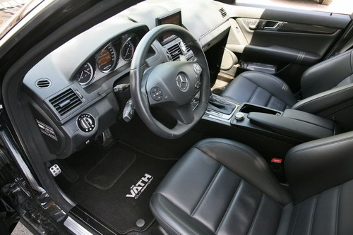 Salon Mercedes C63