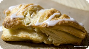 Baked pastries - Apple Turnover Triangle