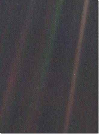 325px-Pale_Blue_Dot