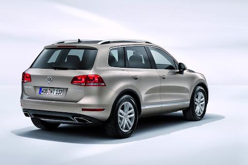2011-Volkswagen-Touareg-4.jpg
