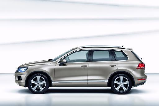 2011-Volkswagen-Touareg-7.jpg
