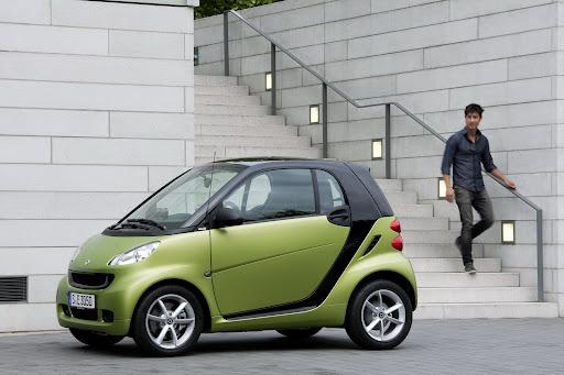 2011-Smart-ForTwo-02.jpg