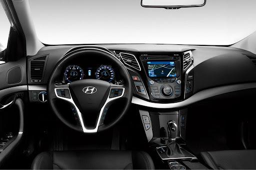 2011-Hyundai-i40-16.jpg
