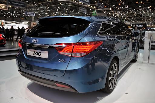 2011-Hyundai-i40-12.jpg