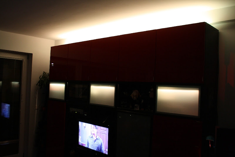 treppenbeleuchtung hinter plexiglas architektur hausbeleuchtung ledstyles de. Black Bedroom Furniture Sets. Home Design Ideas