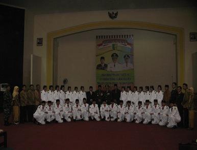 Kisah Singkat Anggota Paskibra 2010Letih Bercampur Bangga dan Haru