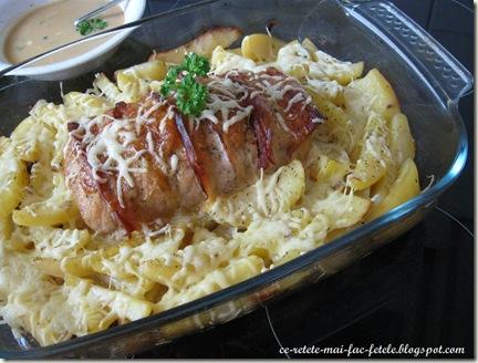 Cotlet de porc împănat cu jambon şi emmental