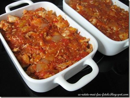 Gnocchi cu piept de pui şi mozzarella - turnam sosul