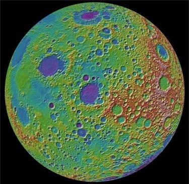 mapa topográfico da Lua