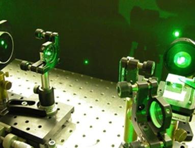 raio laser movendo pequena partícula