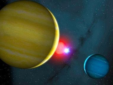 ilustração de dois planetas num sistema binário de estrelas