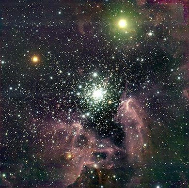 NGC 3603 - região de ativa formação estelar