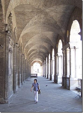 440px-Palladio_Palazzo_della_Ragione_upper[1]