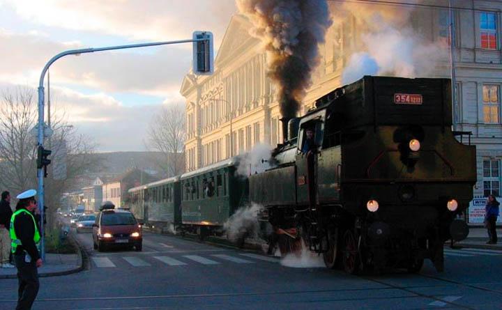 Russian train conductor - 1 2