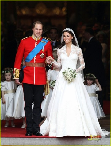 prince-william-kate-middleton-carriage-procession-05