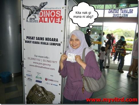 dinos-alive-1