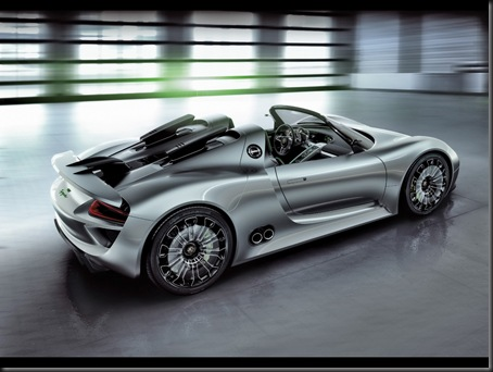 2010-Porsche-918-Spyder-Concept-Rear-And-Side-1280x960