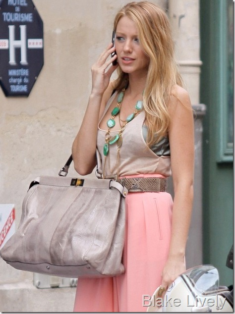 blake-lively-fendi-peekaboo-bag