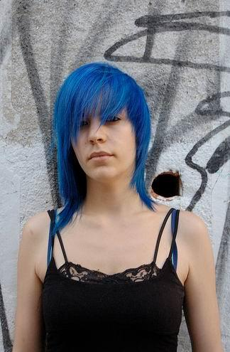 emo hairstyles for girls with medium length hair. Medium Length Hair Styles 2010