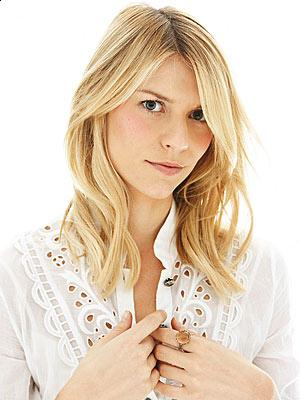 long blonde hairstyles 2010. Claire Danes long blonde wavy