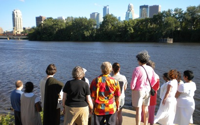 Mpls River ceremony 2010 021