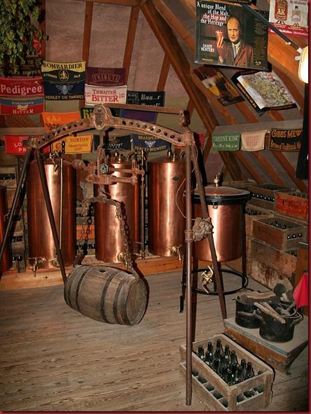 De_Halve_Maan_museum_beer_barrels_crane_800