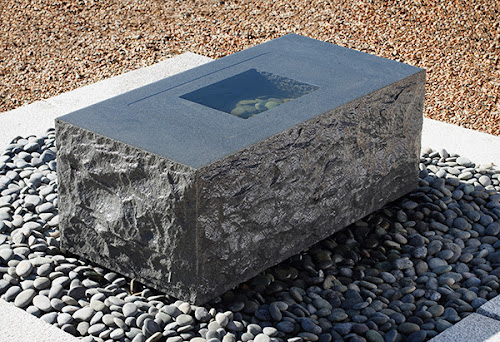 Granite Fountain Design for Contemporary Outdoor