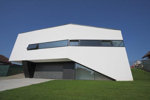 Unusual Looking Residence in Slovakia : Dom Zlomu