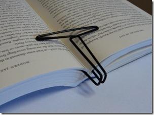 2011-05-08 Book clip 05