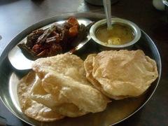 Aloo Bhindi Puri