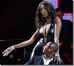 Etoo al Chiambretti Night assiste al sexy spogliarello della modella e showgirl venezuelana Ainett Stephens (Merone - Infophoto)5