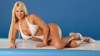 Monica-Farro_modelo uruguaia